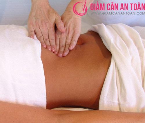 Massage bụng thường xuyên để có vòng eo thon gọn