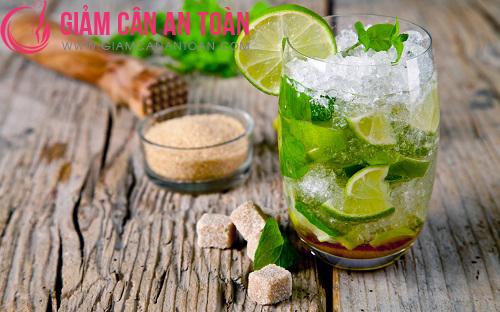 Uống nước chanh pha loãng mỗi ngày để giảm béo bụng