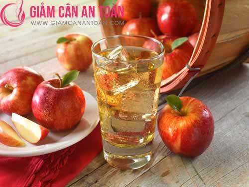 Nước táo, gừng và trà xanh