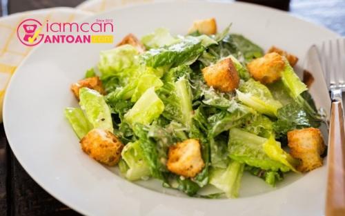 mon-salad-cua-ban-can-tranh-xa-nhung-nguyen-lieu-nao-3