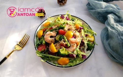 lam-mon-salad-nen-chon-thuc-pham-nao-de-bo-sung-nang-luong-2