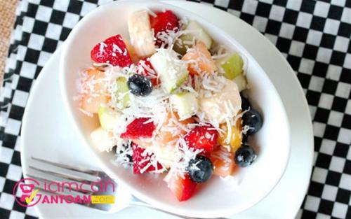 lam-the-nao-de-che-bien-nhung-mon-salad-tuyet-cu-meo-hop-hon-chi-em-dang-giam-beo-4