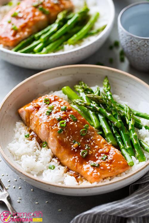 Chế độ ăn mùa dịch cũng đóng vai trò quan trọng trong quá trình giảm cân