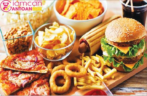 Hạn chế các loại thức ăn nhanh chứa nhiều calories