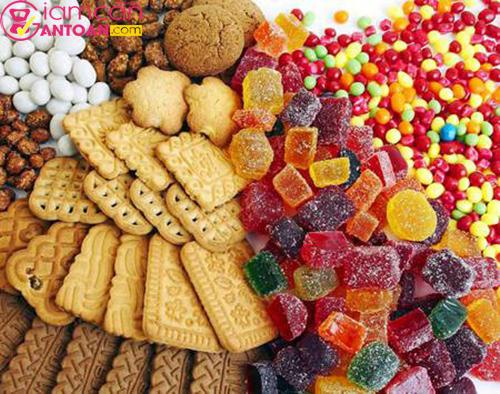 Ăn nhiều đồ ngọt sẽ không tốt cho cơ thể cũng như quá trình giảm cân của bạn