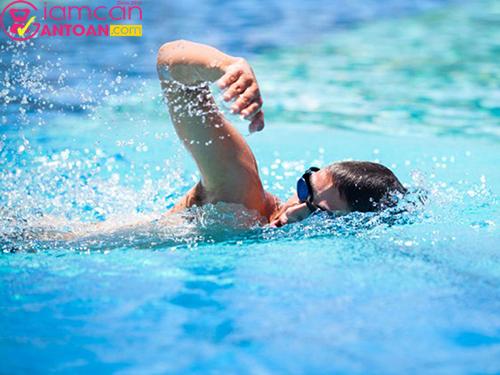 Bơi có tác dụng giảm mỡ bụng được coi là cho hiệu quả lâu dài nhất
