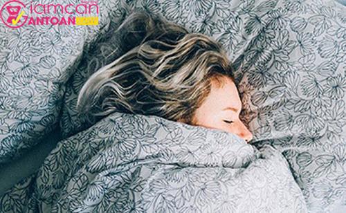 Khi quá bận rộn, bạn có thể thường xuyên bỏ qua việc chăm sóc giấc ngủ
