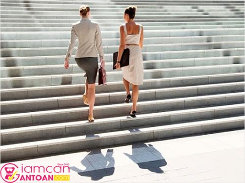Bạn hãy dành 30 phút mỗi ngày để đi bộ, vừa tốt cho tinh thần và sức khỏe