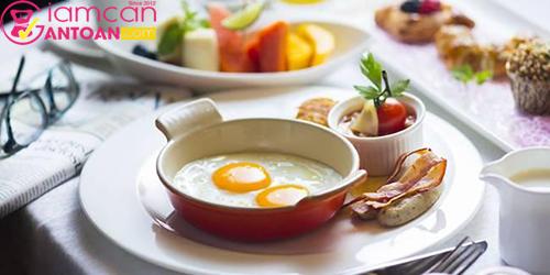 Bữa ăn sáng đóng vai trò rất quan trọng trong quá trình giảm cân