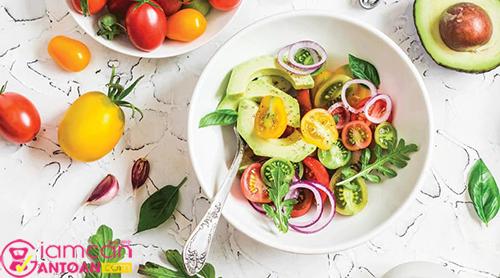 Bữa sáng lành mạnh nên được cân bằng và cung cấp hỗn hợp protein, chất xơ