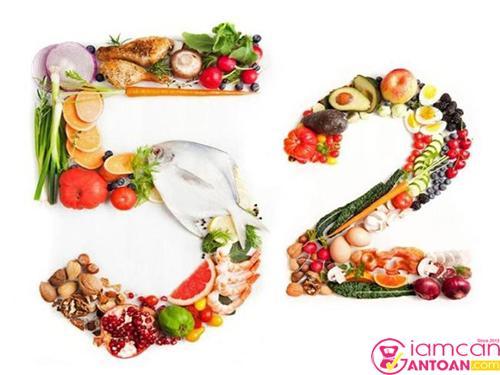 5:2 là chế độ cho phép bạn ăn uống thoải mái trong vòng 5 ngày và nhịn ăn trong 2 ngày còn lại