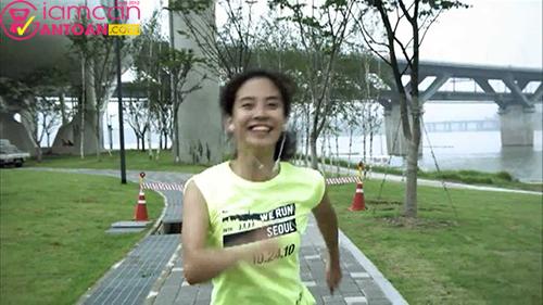 Để giảm cân Ji Hyo đã phải chạy 10km/ngày