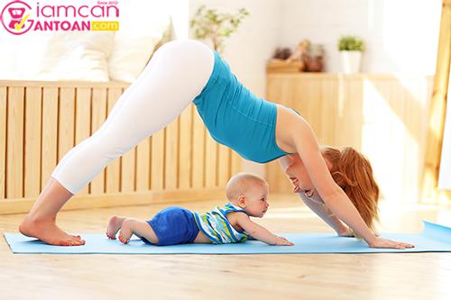 Yoga là một hình thức tập luyện nhẹ nhàng, phù hợp với các mẹ bỉm sữa