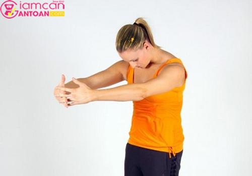 Bài tập này tập thường xuyên giúp giảm mỡ đùi