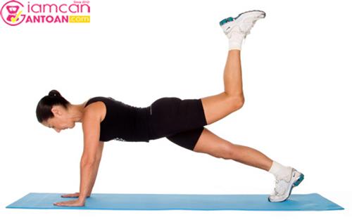 Bài tập này giúp toàn bộ phần cánh tay bụng và đùi giảm mỡ hiệu quả
