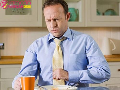 Tuyệt đối không ăn quá no để tránh ảnh hưởng đến sức khỏe
