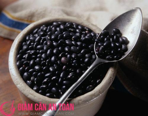 che-do-an-kieng-giam-can-sau-sinh-hieu-qua-voi-dau-den-va-gao-lut.2