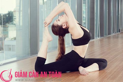 tu-van-3-the-yoga-don-gian-de-thuc-hien-tai-nha-giup-cai-thien-voc-dang-hieu-qua