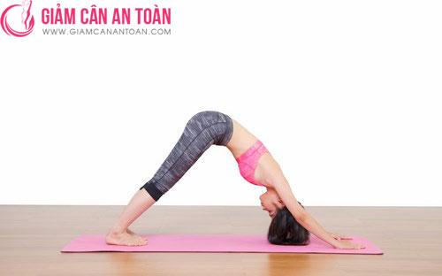 6-dong-tac-yoga-tap-nhanh-danh-cho-nhung-ai-ban-ron.