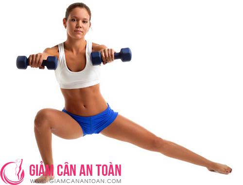 nhung-bai-tap-yoga-don-gian-thich-hop-cho-viec-giam-can-nen-tap-moi-sang.6