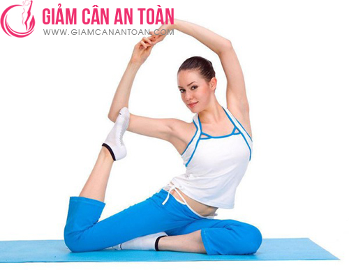 nhung-bai-tap-yoga-don-gian-thich-hop-cho-viec-giam-can-nen-tap-moi-sang.3