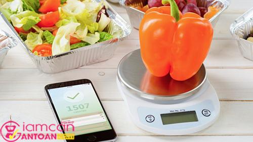 Tư vấn giúp bạn cách cân đúng cách giúp bạn kiểm soát cân nặng hiệu quả2