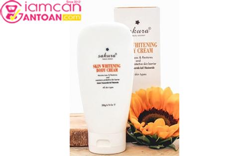 Kem dưỡng trắng da và trang điểm nhẹ toàn thân Sakura Skin Whitening BB Body Cream2