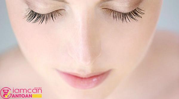 Serum Revitalash Eyebrow Conditioner 0,9ml dùng thường xuyên sẽ rất hiệu quả
