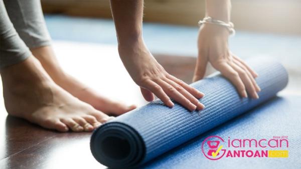 nhung-van-de-nay-se-khien-ban-can-than-voi-tham-yoga-hon-1