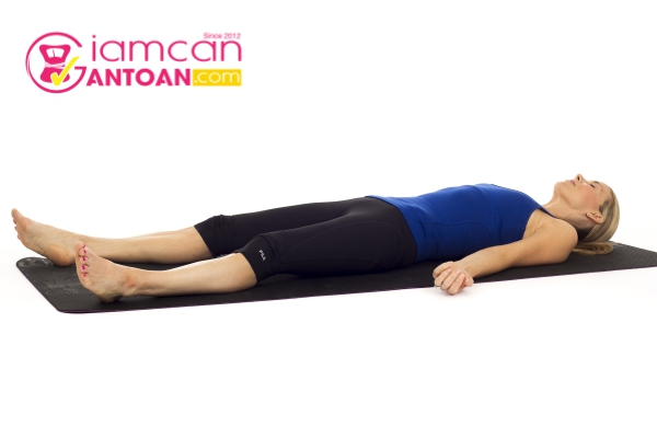 giup-ban-giam-can-de-ot-bang-nhung-bai-tap-yoga-sau-day-1