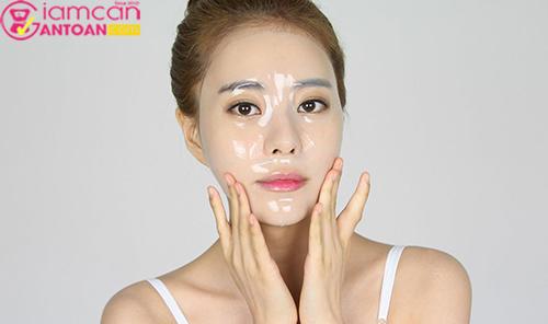 Mặt nạ dưỡng ẩm giúp da trắng sáng mịn màng, độ ẩm thích hợp