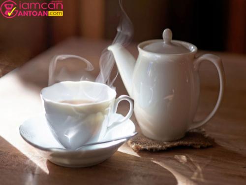 Uống nước ấm giúp thanh lọc cơ thể