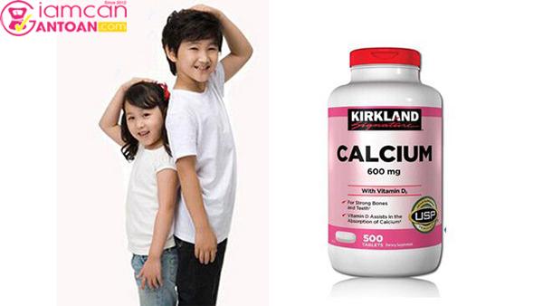 Kirkland Calcium 600mg giúp trẻ em phát triển xương một cách toàn diện
